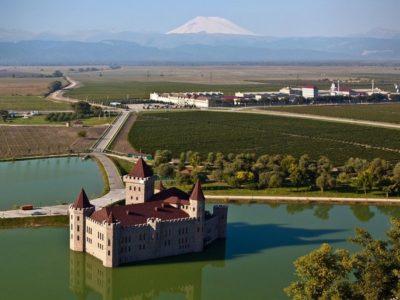 Экскурсия в замок Шато Эркен из Пятигорска, Ессентуков и Нальчика