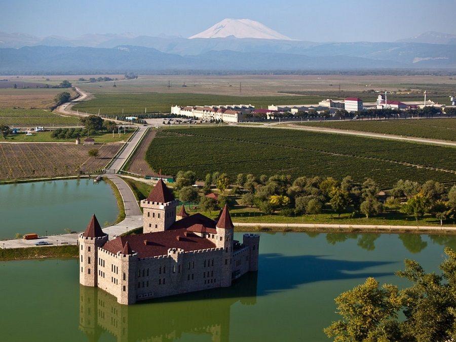 Экскурсия в замок Шато Эркен из Пятигорска, Ессентуков и Нальчика.