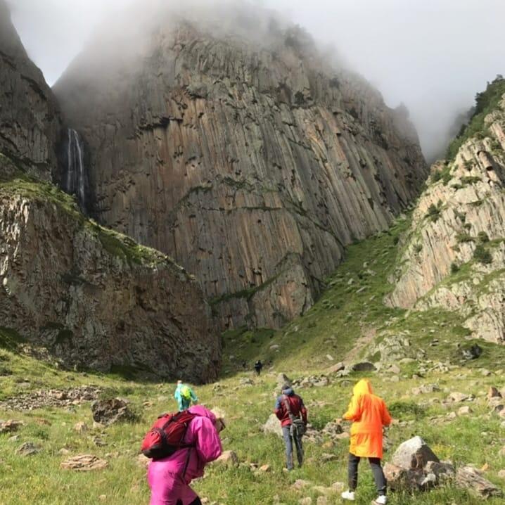 водопад абай-су чегемское ущелье экскурсии по кавказу