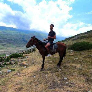 отдых экскурсия в чегемское ущелье конные прогулки
